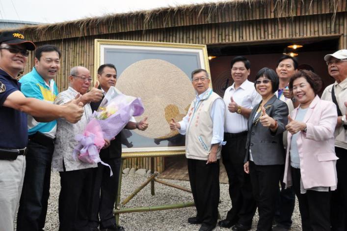 客家農產好風情 稻豐圓太極禾桿藝術品亮相 共16張圖片