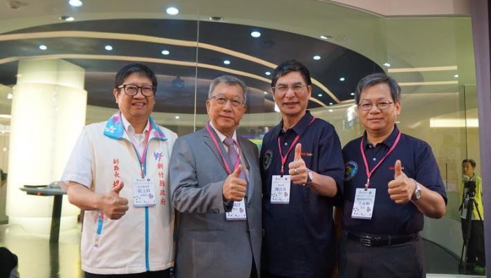 福爾摩沙衛星五號成功發射 新竹縣長邱鏡淳、副縣長楊文科共同見證歷史時刻