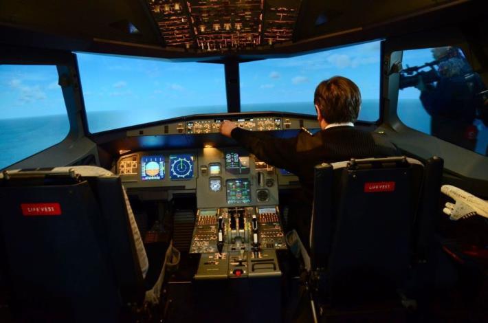 亞洲最完整A320飛行模擬機啟用 中華科大斥資培育航空人才 共20張圖片