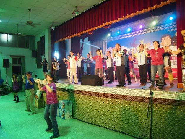 關西社區活力健康活力大賽第三場晚間熱鬧登場 阿公阿婆一起動起來