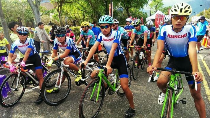 打敗全國高手!新豐國中奪全國自由車公路錦標賽12公里團體金牌 共3張圖片