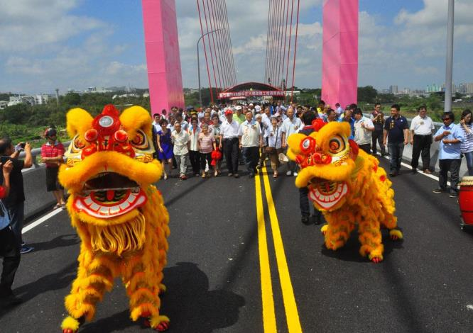 北台灣最高斜張橋-中正大橋完工通車 共15張圖片