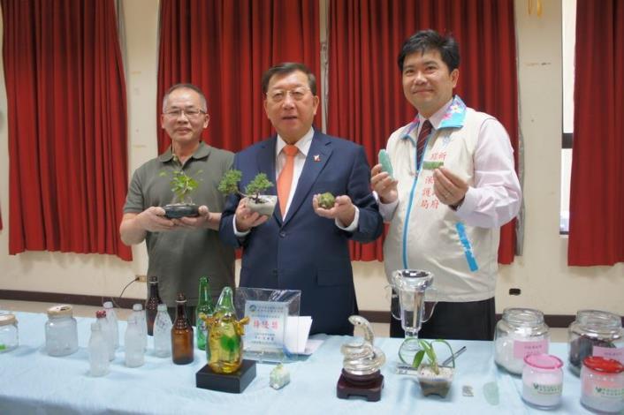 新竹縣全面回收廢玻璃  首創全國結合文創、工藝    將垃圾變黃金 共11張圖片