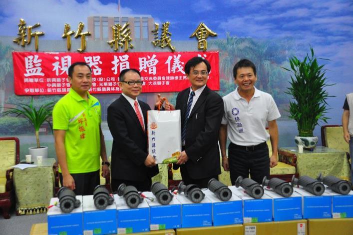 華立捷科技股份有限公司、新竹市新興獅子會捐贈監視器材 共3張圖片