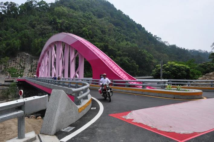 尖石義興大橋改建工程竣工 「單跨不落墩」有特色 共27張圖片