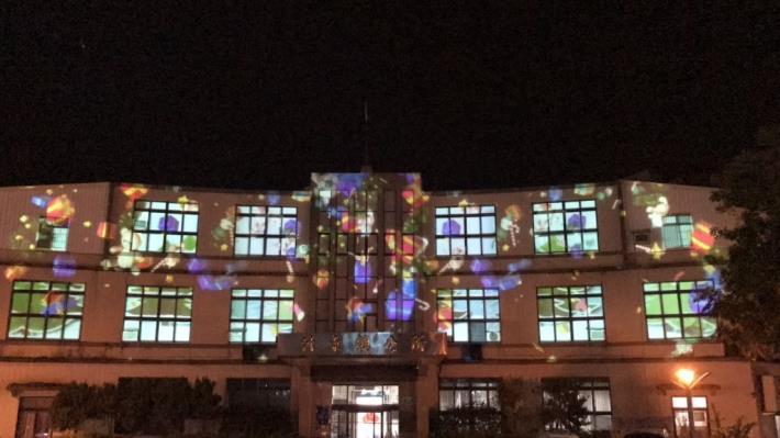 竹東鎮3D光雕秀出滿滿耶誕味! 共3張圖片