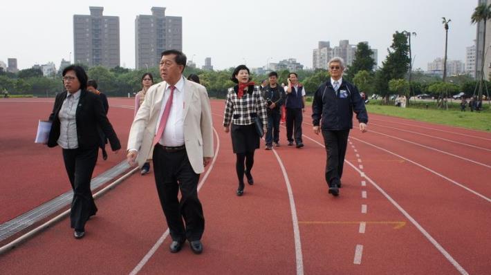 世大運足球場擬設在台大竹北分校用地   體育署、教育部長官會勘 共4張圖片