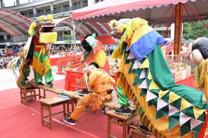 安興國小舞獅隊表演