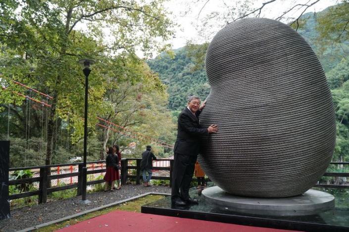 一座吊橋2個故事 「蛹生」守護五峰清泉溫泉鄉 共8張圖片