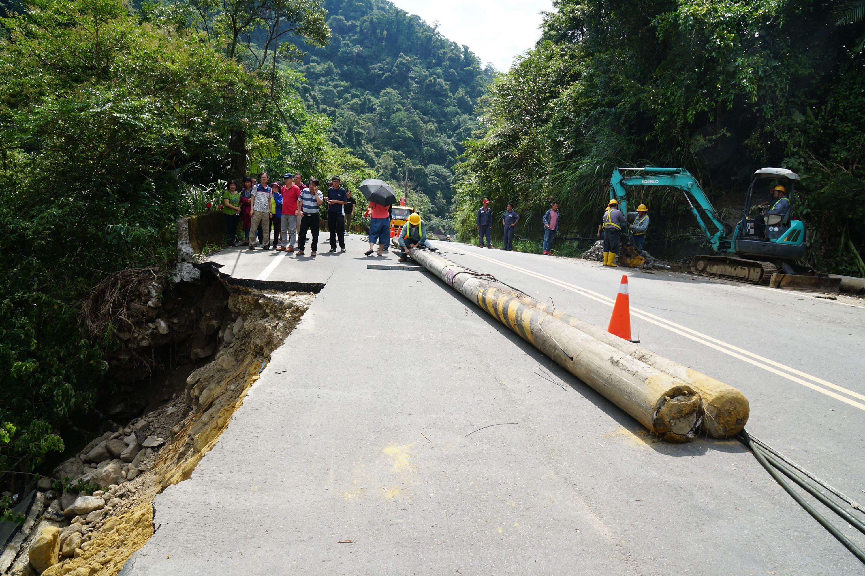 縣府、鄉公所、代表會會勘竹37線崩坍 立即啟動搶修