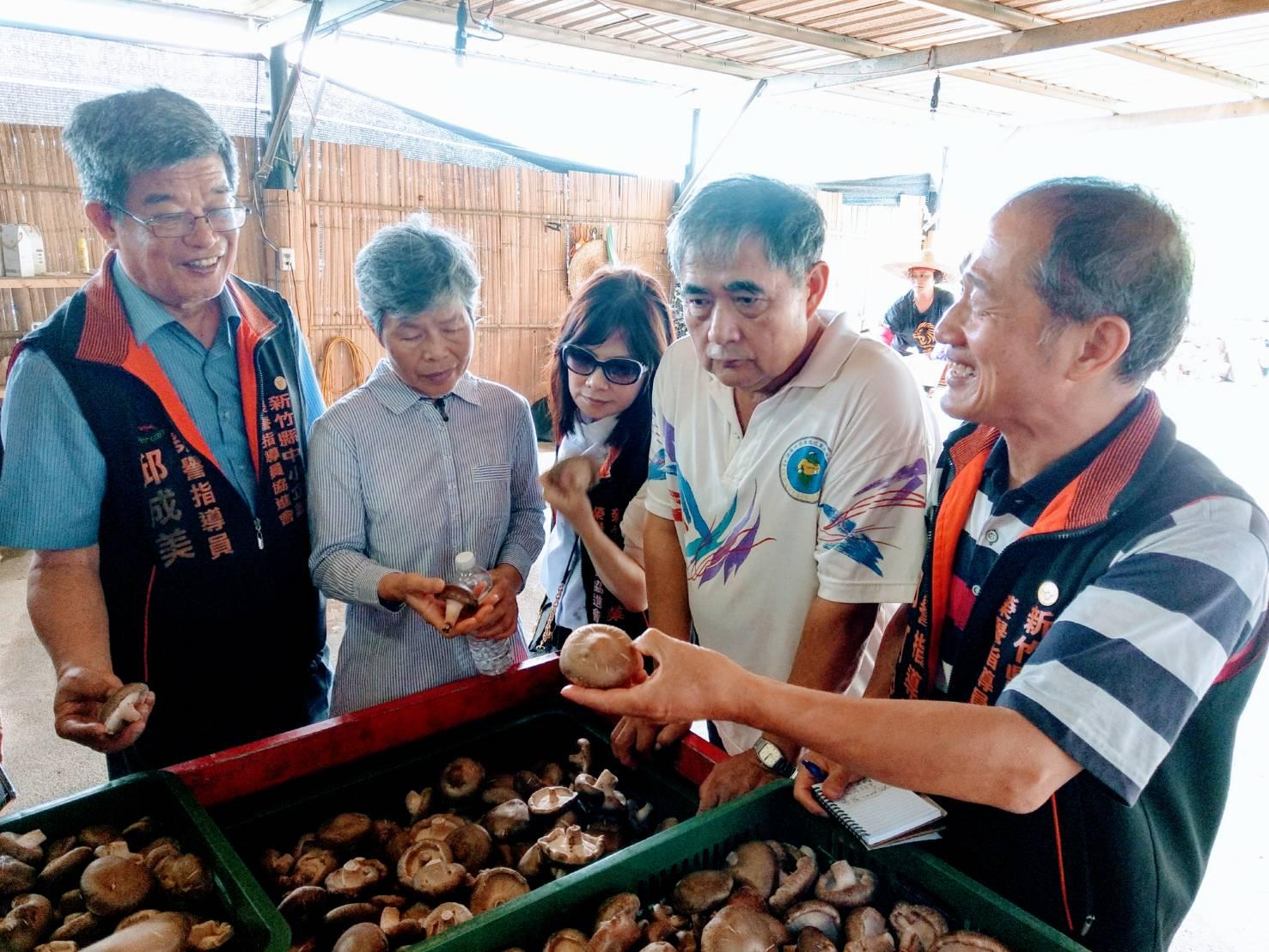 耕進機械有限公司捐贈新竹縣尖石鄉原住民菇類烘乾機