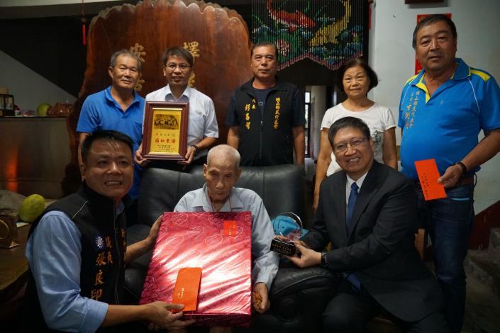 慶祝九九重陽 縣長楊文科拜訪橫山鄉、竹東鎮百歲人瑞 共13張圖片