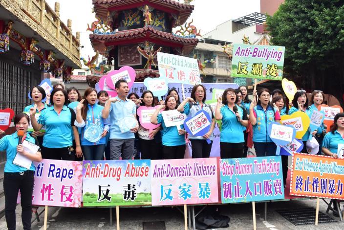 11月3日宣傳113婦幼保護專線 打造新竹縣成為一座有愛城市 共4張圖片
