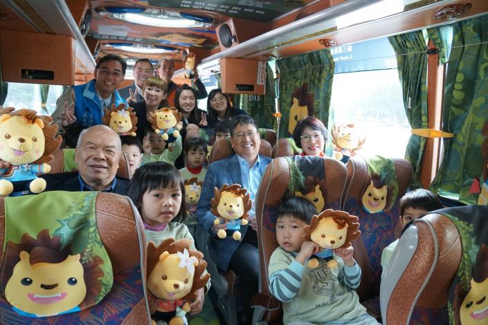 新竹縣春節推五條路線免費公車 皮皮獅彩繪車身亮眼吸睛 共3張圖片