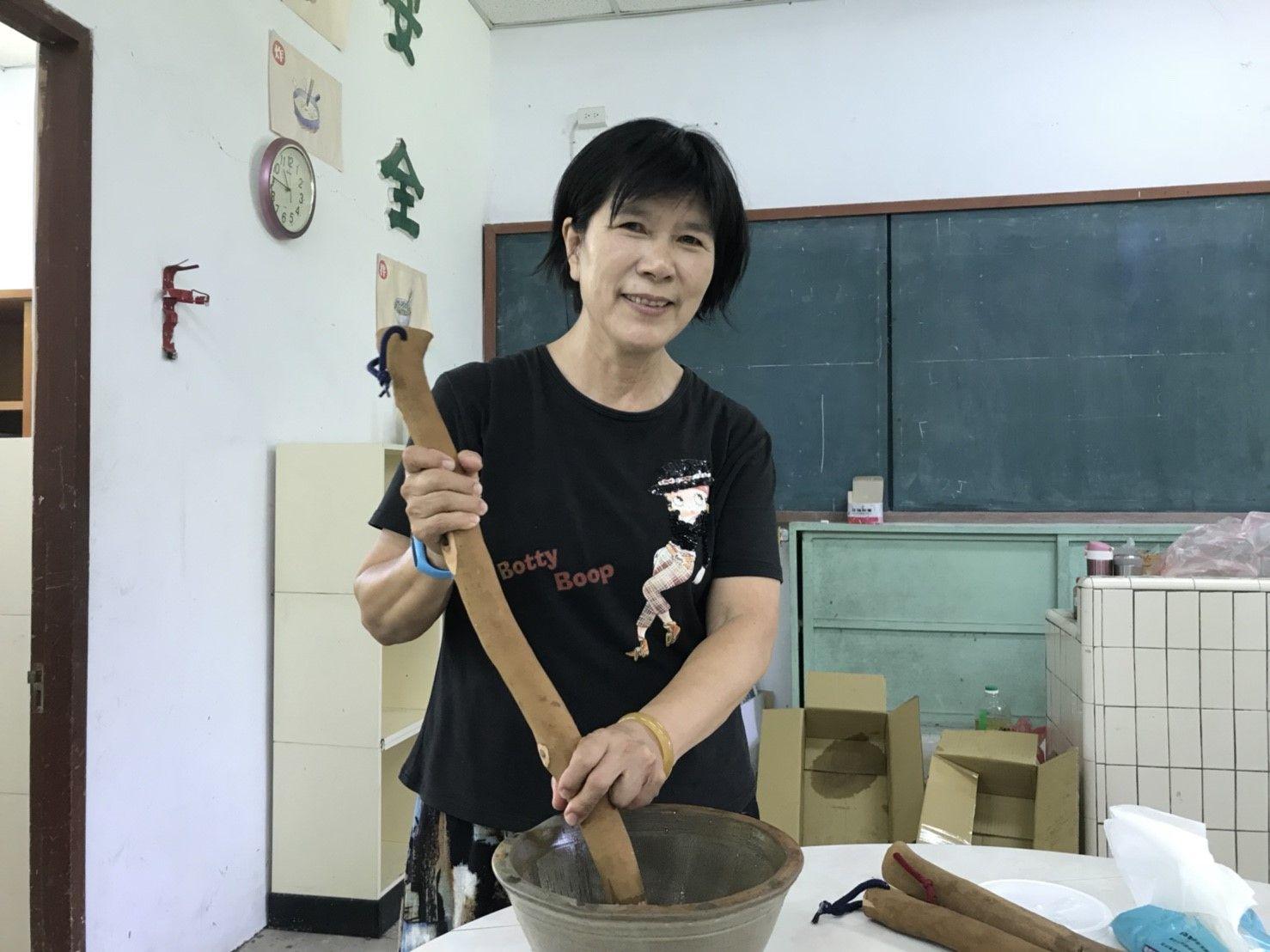 享受教學、退而不休   劉瑞琴老師獲選第15屆教育奉獻獎