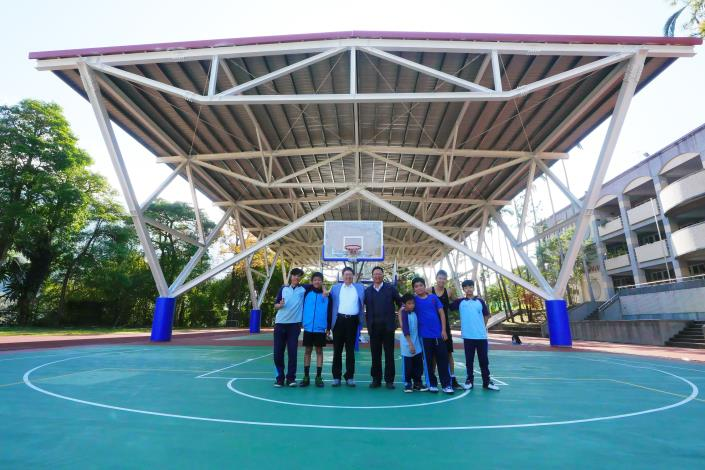 新竹縣成功爭取5340萬經費 6校新建不看風雨臉色「風雨球場」 共3張圖片