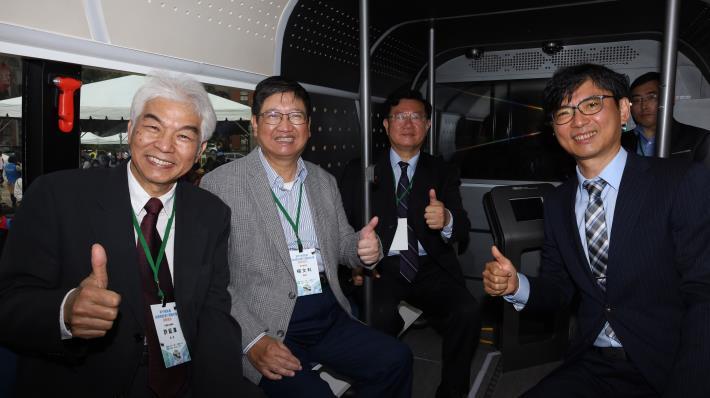 全國率先日間混合道路實測 竹北高鐵自駕公車測試上路
