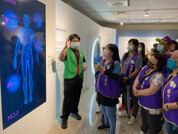 強化校園反毒宣導量能   春暉志工參訪反毒教育特展
