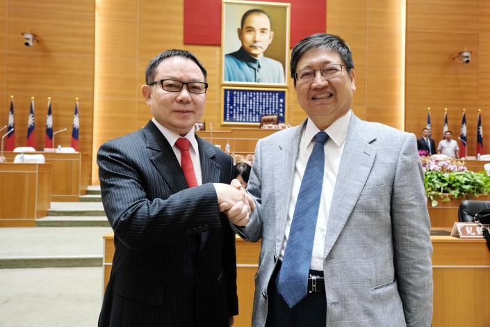 縣長楊文科施政報告 上任2年來政見達成率77%減債102億