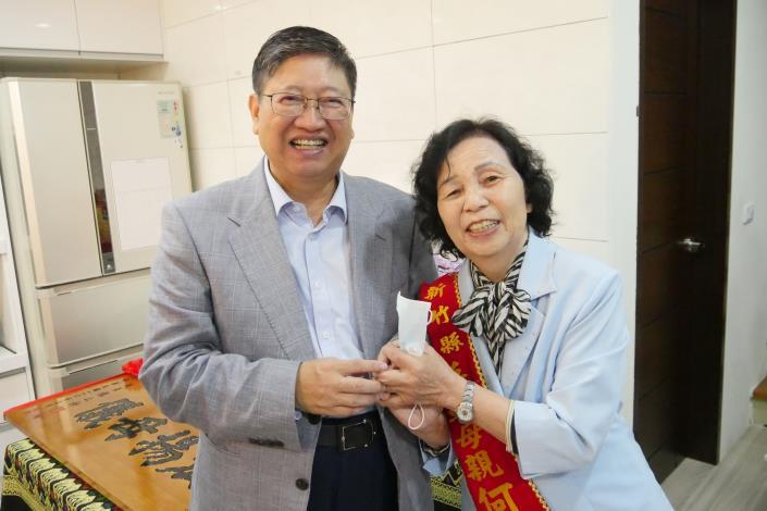 發揮大愛 尖石鄉80歲何江玉秀獲模範母親