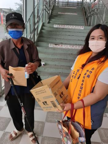 善心人士捐贈3000片口罩助新竹縣弱勢族群