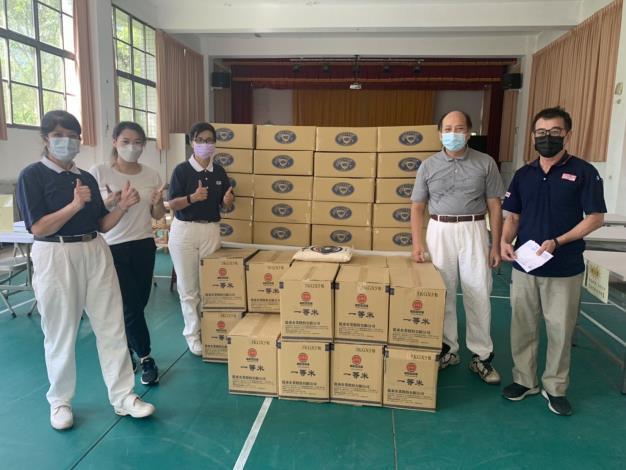 竹縣府與慈濟合作供應蔬菜、食品5896箱物資助千名弱勢學童4