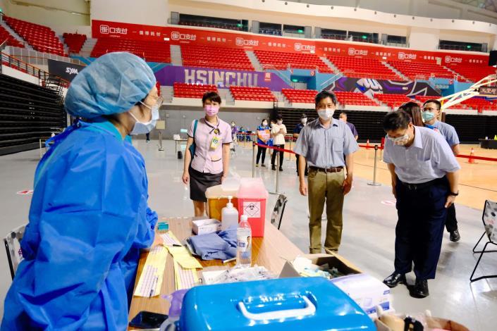 竹縣+0 國小教職員等4193人 分4接種站施打 共9張圖片