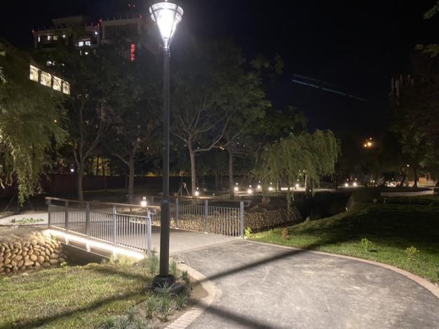 汾陽堂.民俗.公三公園完工開放 東興圳景觀休憩再升級 共3張圖片