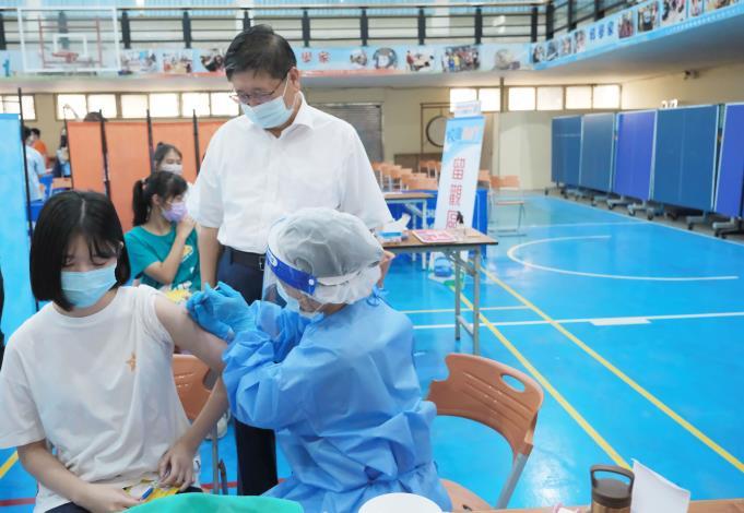 明起長者莫德納2劑、第9輪開打 楊文科關心校園BNT接種