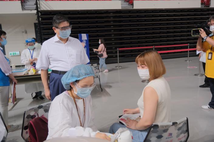竹縣65站接種疫苗守護鄉親 疫情趨緩部分措施放寬