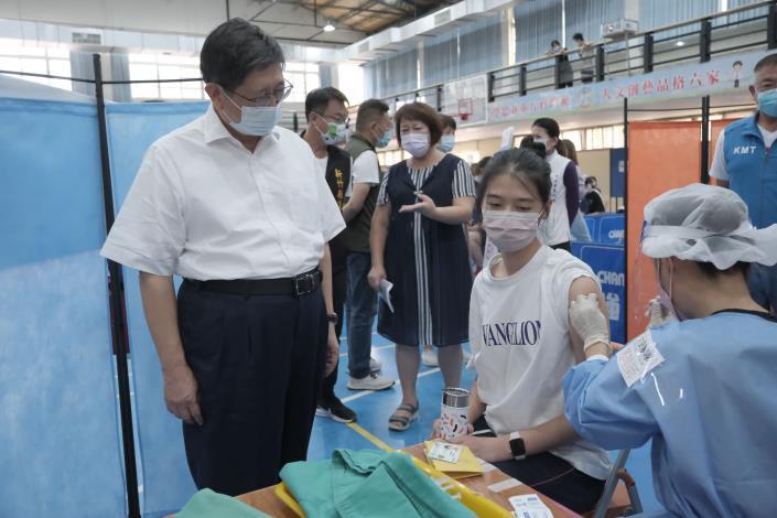 住宿長照洗腎AZ第2劑 竹縣專案進駐完成4千人接種