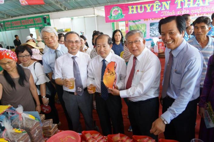 Showing support to the New Southbound Policy, Magistrate Chiu leads a delegation to Vietnam