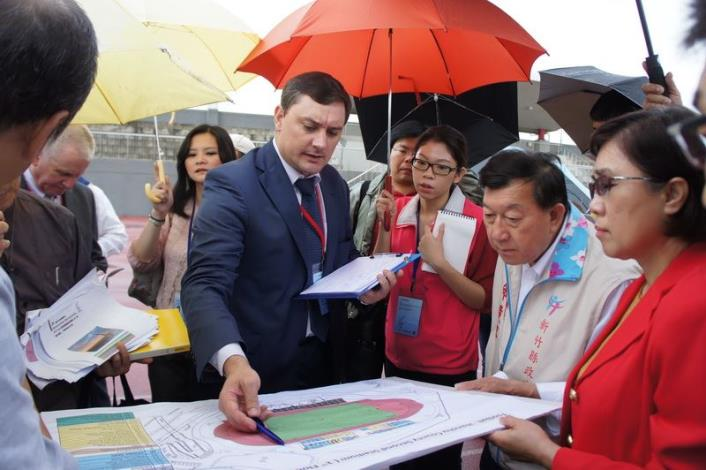 Committee members of International University Sports Federation (FISU) pay a visit to Hsinchu County Stadium to inspect the venues for 2017 Taipei Summer Universiade