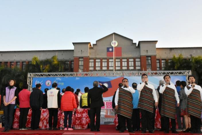 3000 people enthusiastically participate in Hsinchu County's 2017 New Year Flag-raising Ceremony (26 photos)