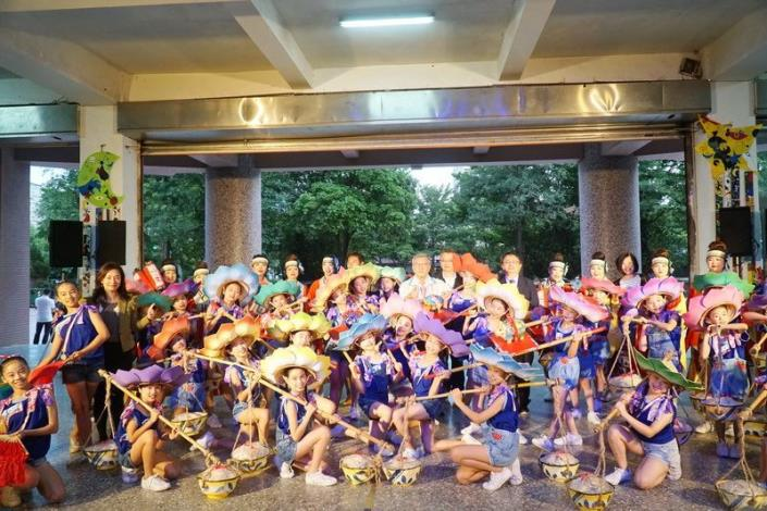 20 groups performed in relays in celebration of Hakka Arts Festival (25 photos)