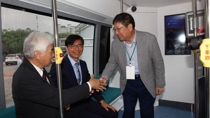 Road test for Zhubei High Speed Rail self-driving bus (5).JPG