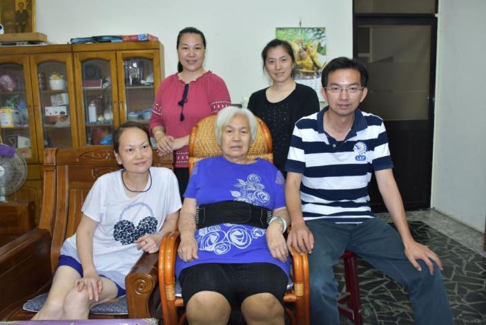 夫逝留9子,堅毅母愛培育成才-新竹縣107年模範母親許翁棗