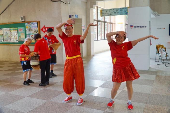 國際佛光會「體育弘法」,舞步輕鬆自然