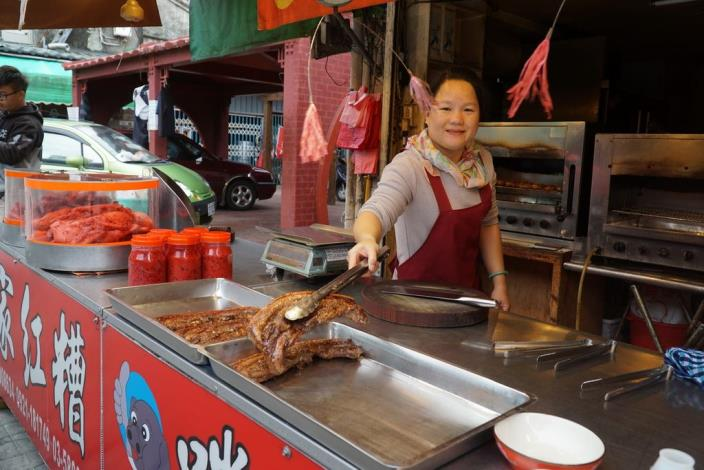 剛出爐的客家鹹豬肉